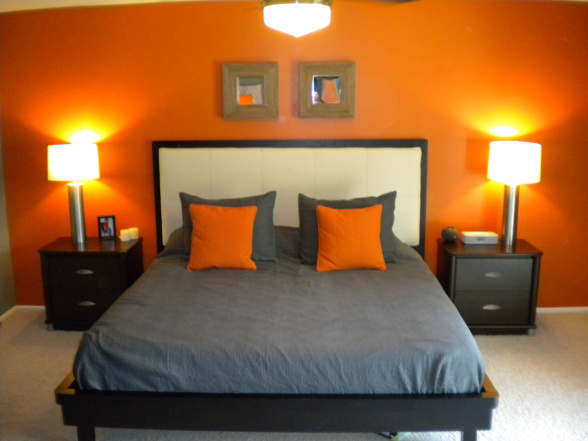 Miegamojo interjeras oranžinė spalva