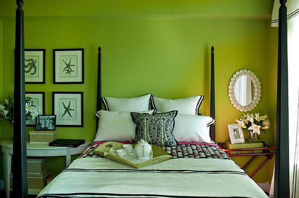 Miegamojo interjeras žalia spalva